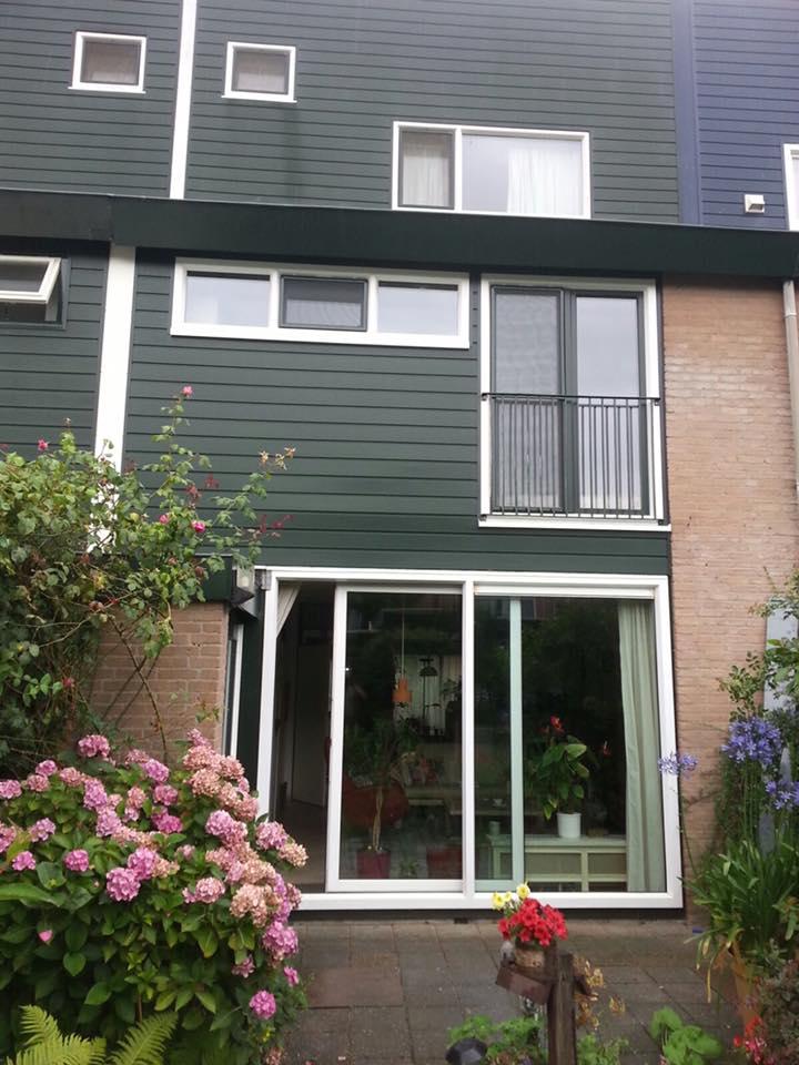 Inmiddels hebben wij de vierde woning in de straat voorzien van nieuwe kozijnen en gevelbekleding  in de Brugakker te Zeist!