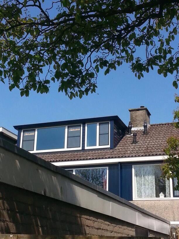 Prolux dakkapel, kunststof kozijnen en deuren gemonteerd van het merk Knipping te Zeist.