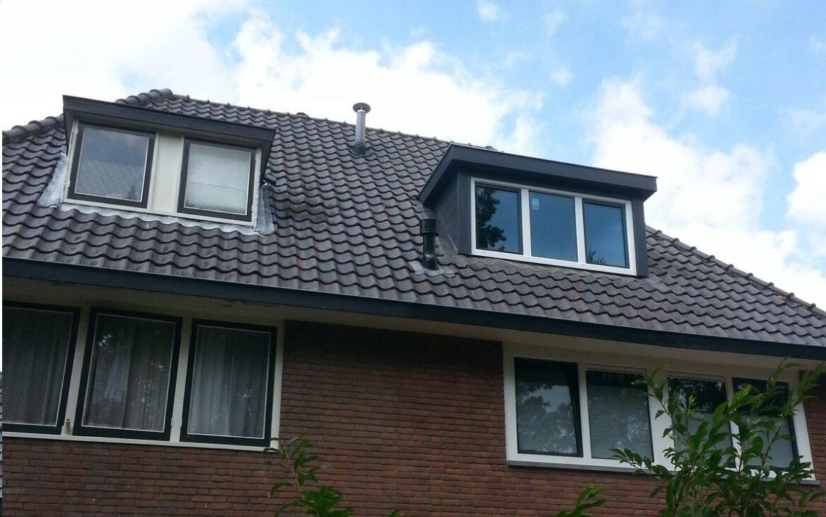 Traditionele dakkapel met Keralit afwerking geplaatst te Driebergen.