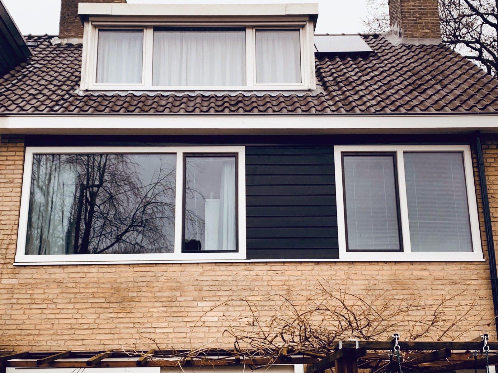 Volledige woning onderhoudsvrij gemaakt in Bunnik met kunststof kozijnen en gevelbekleding.