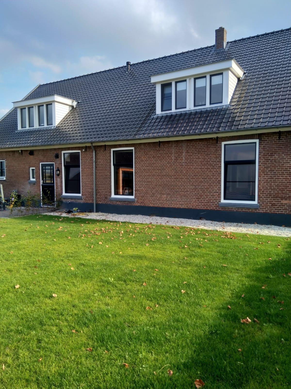 Prachtige boerderij in Werkhoven voorzien van onderhoudsvrije kozijnen met zeer speciale details!