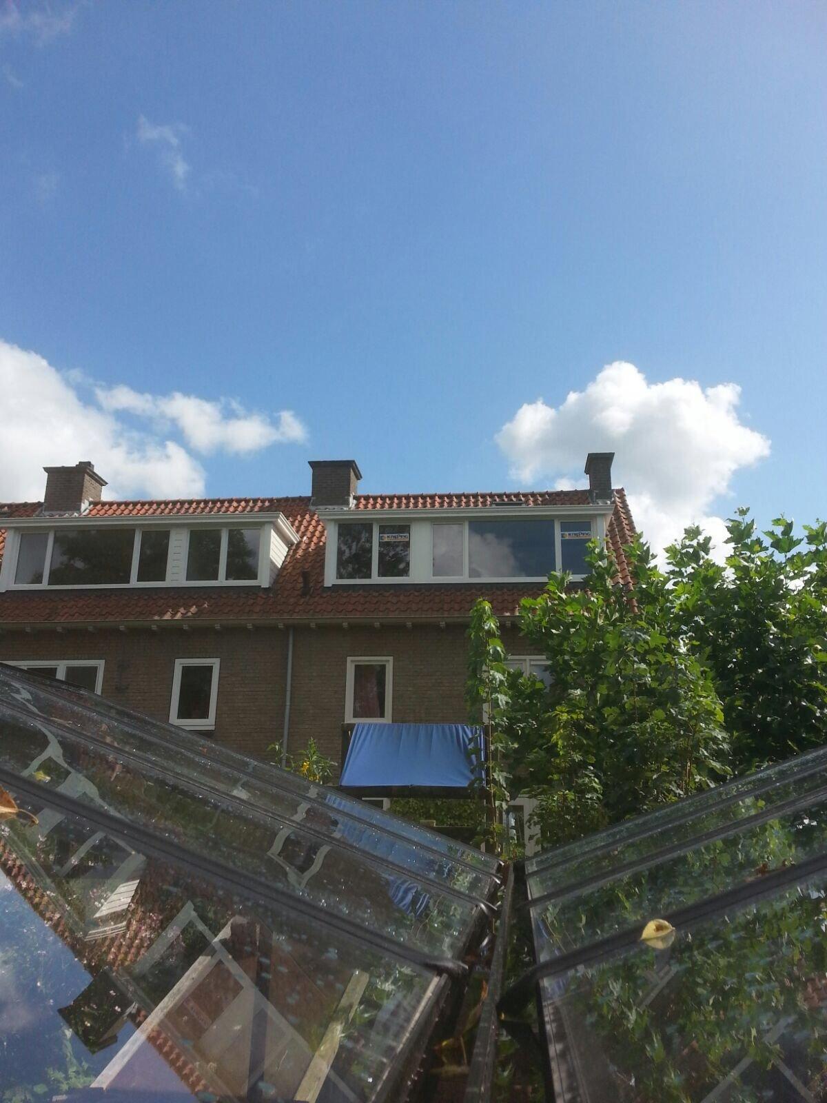 Door mond tot mond reclame de vierde Knipping prolux dakkapel in de straat gemonteerd.
