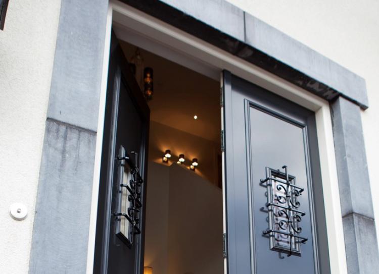 Raamdecoratie Openslaande Deuren : Voor en achterdeuren openslaande deuren en garagedeuren